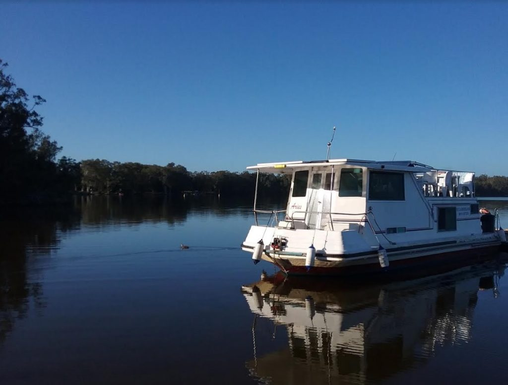 33 ft Houseboat at Mungo Brush. Camping here is often booked out! Not on a houseboat and a waterfront view every time.